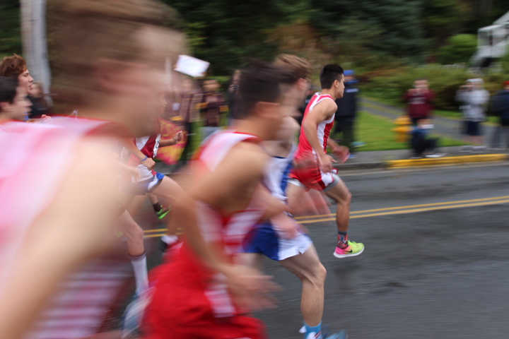 The start of the 1A/2A/3A boys race.  (KCAW Photo/Emily Russell).