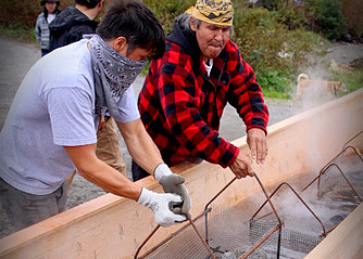 Canoe steaming carries on Tlingit and Haida tradition