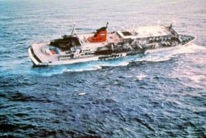 Sinking Prinsendam (8)