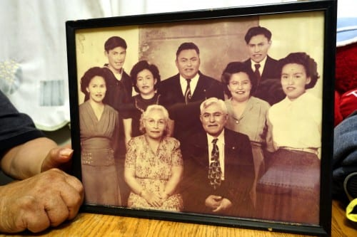 The Davis family. David Davis (dad), Annie Davis (mom), Albert Davis, David Betty Houston, Sarah Smith James, Margaret Howard, Gertrude Wright
