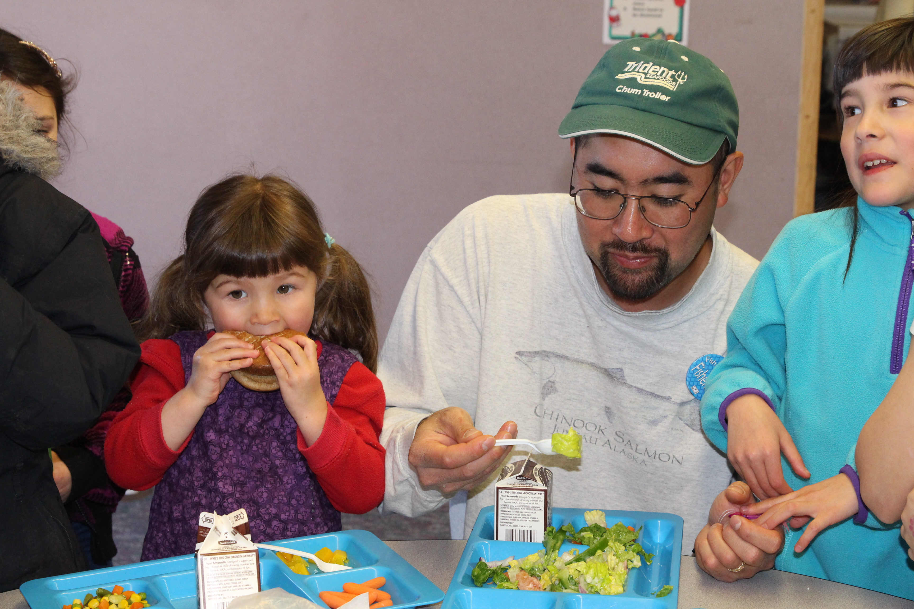 """Kids thank fishermen at """"Fish to Schools"""" lunch"""