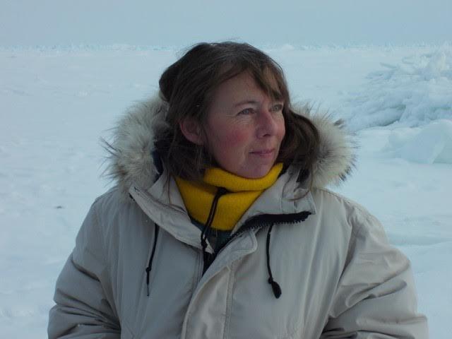 "Visiting scientist ""eavesdrops on the ocean"" using hydrophones"