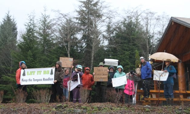 Sitkans demonstrate at USFS office in support of Roadless